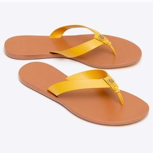 Tory Burch Manon yellow leather thong sandals 9